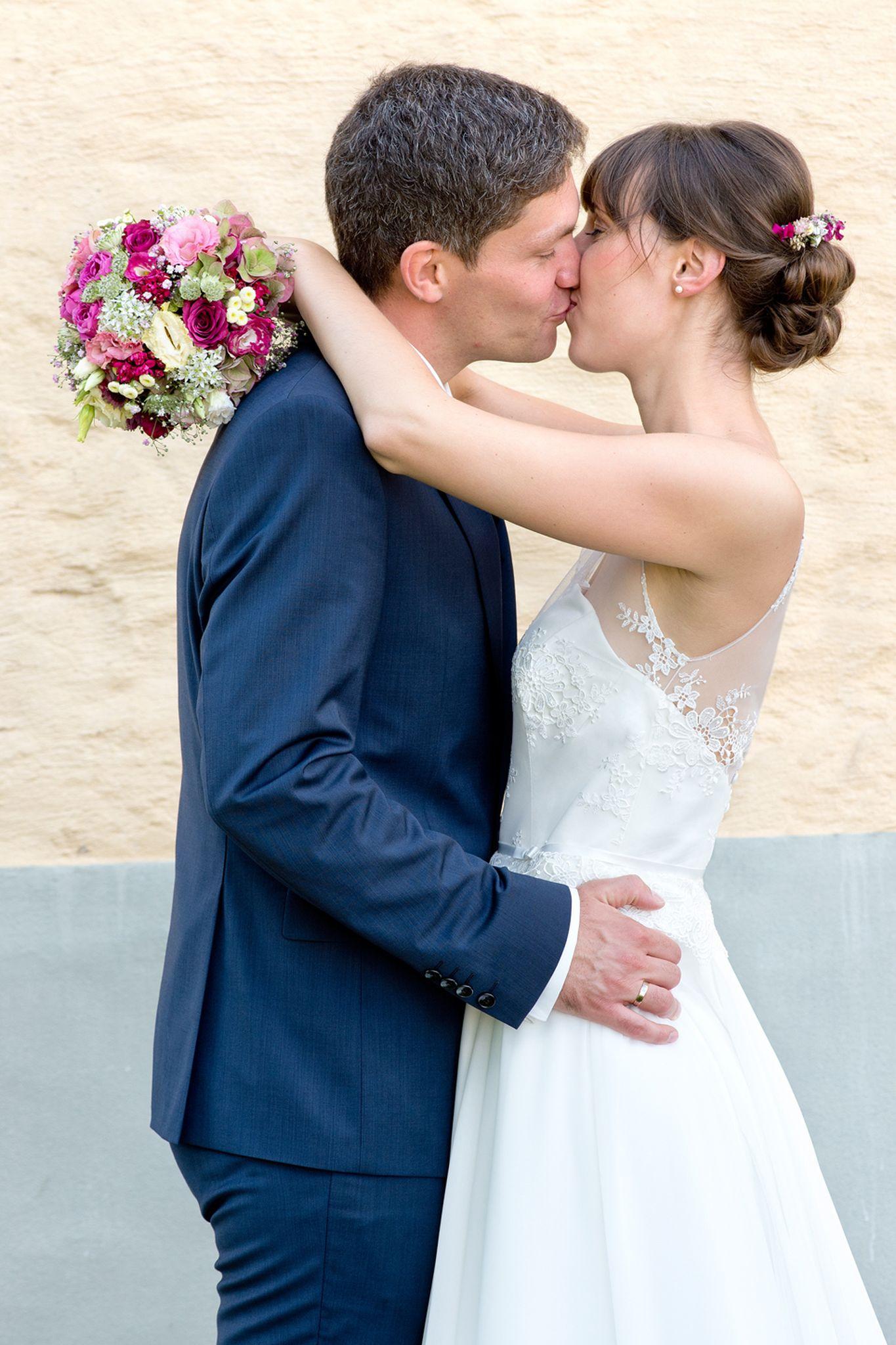 Hochzeitsfotografie, Weddingtime, Wedding, Hochzeit, Braut, Bräutigam, Portraitfotografie, Businessfotografie, Fotostudio, Fotograf, Fotografin, Bewerbungsbilder, Familienfotografie, Industriefotografie, Veranstaltungsfotografie, Hochzeitsreportage, Hochzeitsfoto, Kinderfotografie